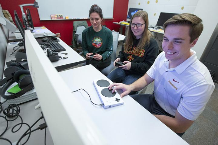 Students using accessibility tools in the Digital Accessibility Lab